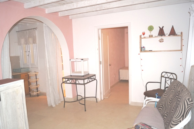 1 Bedroom Apartment in Villa with Roofterrace and Private Garden