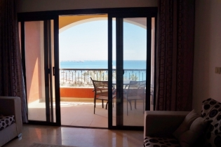 Amazing Sea Front 2 Bedroom Apartment with Private Beach